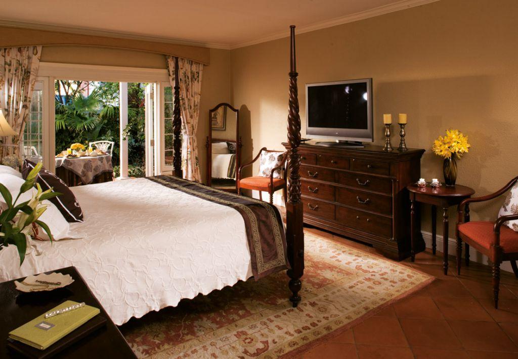 bahamas_sandals_hotel_room