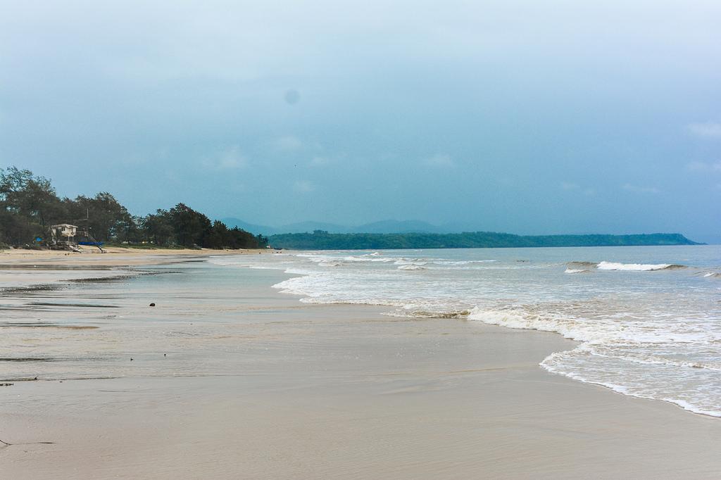 cavelossim_beach_goa