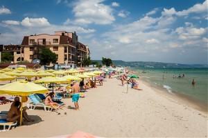 druzhba_bay_garden_beach