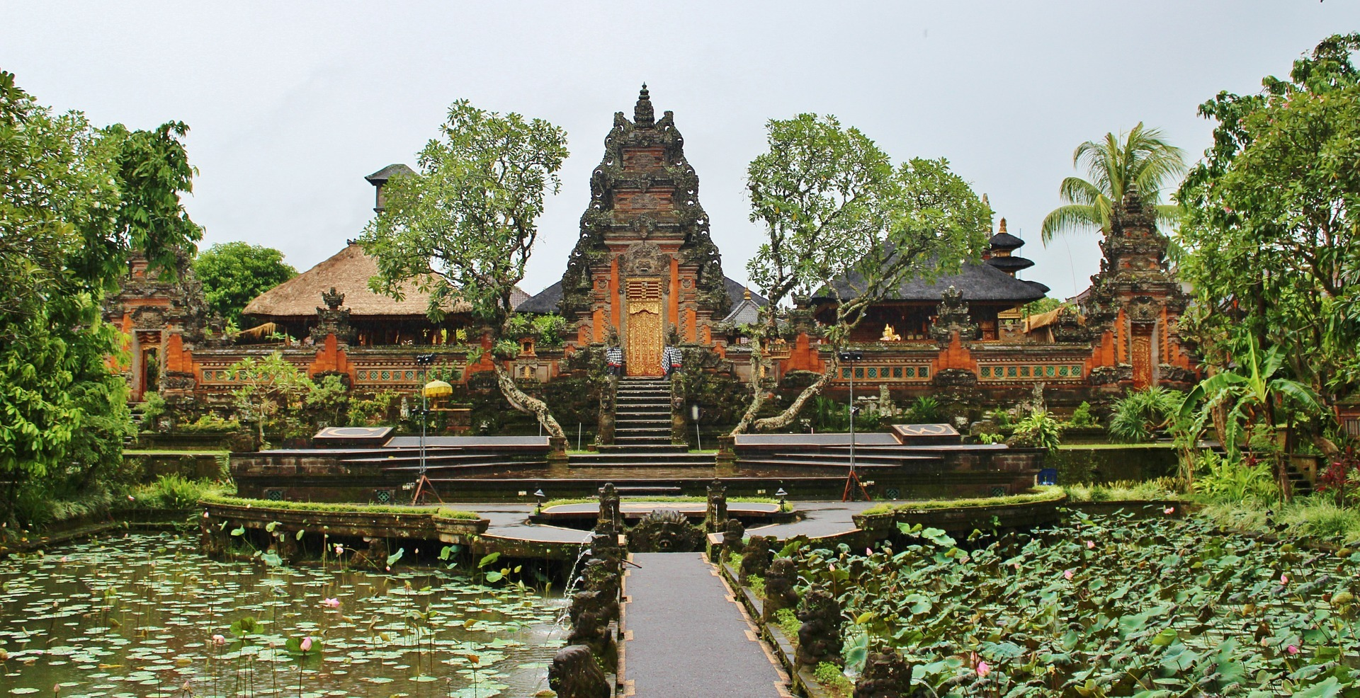 ubud_bali-has-wonderful-temples